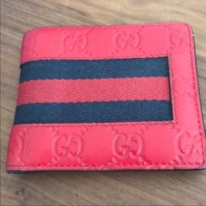 Gucci wallets red